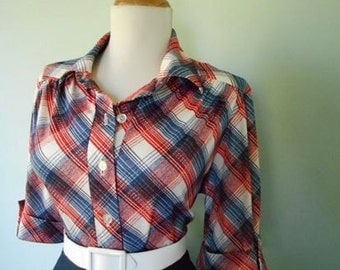 Vintage Western Style Cotton Red Navy Blue and White Plaid 1960s Button Down Short Sleeve Blouse