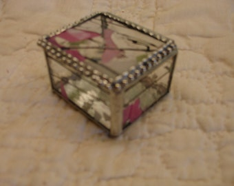 Stained Glass Ring Box - Clear Pink / Green with Black Streamers 1 1/2 x 2 1/4