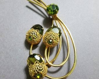 "Vintage Sarah Coventry ""Touch of Elegance"" Peridot Green Rhinestone Brooch - FREE SHIPPING"