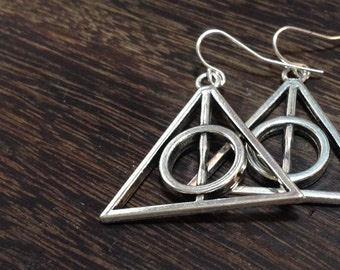 Harry Potter earrings / Deathly Hallows earrings / Sterling silver ear wires / Vintage silver tone / Large 30mm