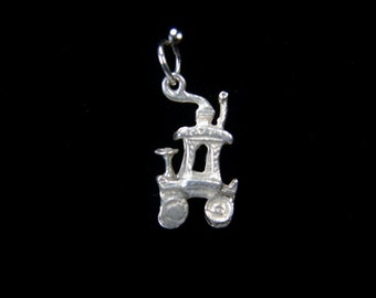Vintage Sterling Silver Carriage Charm Movable Wheels