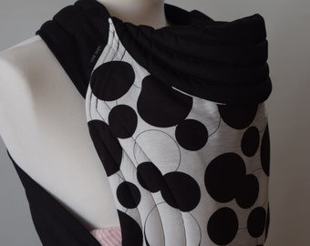 MEI TAI Baby Carrier / Sling / Reversible/ Circles Black And White in leg cut model