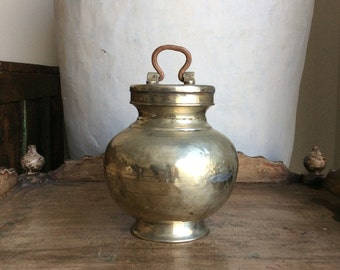 WaterPot / India / Antique / Shipping Included in the U.S.