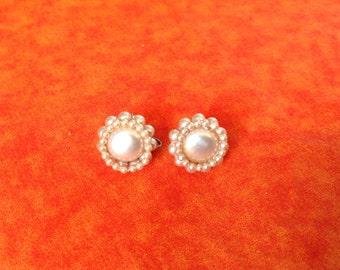 Vintage Pearl Earrings,  beige Pearl earrings, cluster earrings, screw back earrings