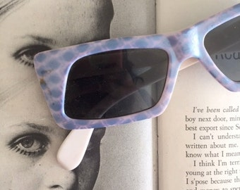1950s 1960s MOD GIRL Sunglasses.true vintage. oversized. retro. hipster. kitsch. shades. summer. party glasses. disco. twiggy. jackie o. mod