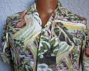 Vintage Men's 50's Rayon Hawaiian Shirt Sm