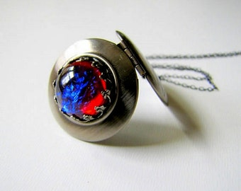 Silver Locket Fire Opal Locket Dragon's Breath Photo Locket Gothic Jewelry Wiccan Jewelry Gothic Locket Minimalist Jewelry Round Locket