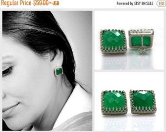 SUMMER SALE - Green onyx earrings,sterling silver earrings,vintage earrings,green earrings,birthday gift,post earrings,anemone ear
