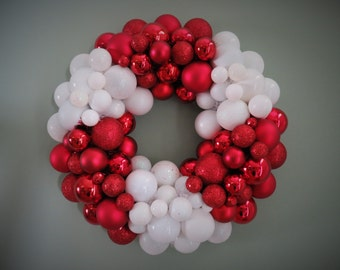 Christmas Wreath RED WHITE Swirl CANDY Ornament Wreath