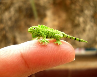 Micro Green Iguana - Miniature Crochet Mini Lizard stuffed animal - Made To Order