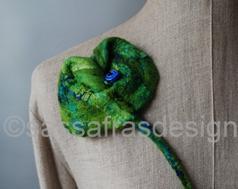 Felted fiber art brooch, colorful textile jewelry, OOAK statement accessory, bohemian style, women's outstanding fashion accessories, green
