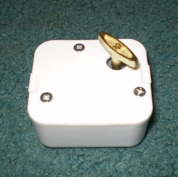 18 Note Music Box Movements  - White Cover - Lots of New Songs  +