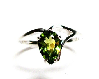 "Peridot, peridot pear ring, peridot ring, green ring, august birthstone, solitaire ring,  s6 3/4   ""Leap Frog"""