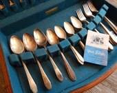 WM Rogers 1941 Gardenia Silverplate Silverware Flatware Set in Anti Tarnish Wood Chest