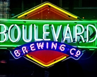 Neon Sign Boulevard Beer Pub Photo for Download or Print