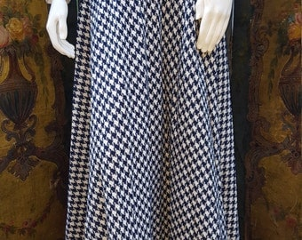 Navy and White Houndstooth Skirt, size S