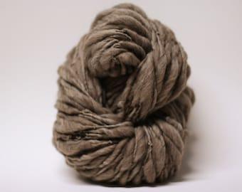 Handspun Yarn Thick and Thin Wool Merino Slub tts Super Bulky  Dark Taupe 160x Half-pounder