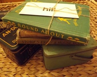 Free shipping!!! Antique Schoolbook Reader Round ABout 1936 such cute graphics and display