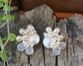 Freshwater pearl & moonstone cluster stud earrings - Ivory pearl bijoux