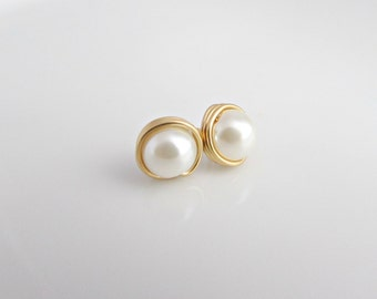 Gold Pearl Earrings, Pearl Earrings, Gold Earrings, Bridesmaid Gifts, UK Seller, Girl Gifts, Pearl Post Earrings, Pearl Studs, Pearl Jewelry