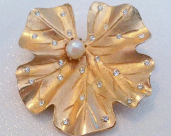 Gold Tone Rhinestone and Faux Pearl Water Lily Flower Brooch