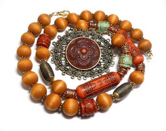 Vintage Lady Remington Wooden Bead Necklace