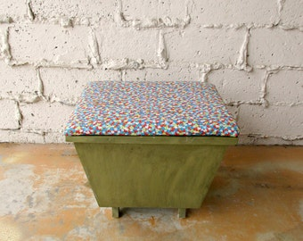 Vintage Sewing Stool, Handcrafted Wood Cushioned Foot Stool Ottoman with Storage Trays for Thread, Crafts, Green and Red Furniture, Sew