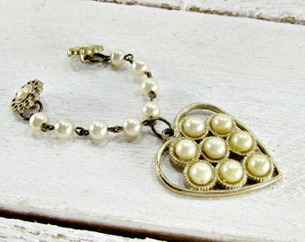Vintage Pearl Collar Buttons, Collar Stud Buttons, Pearl Collar Chain, Pearl Heart Charm, 1950s Rockabilly Vintage Costume Jewelry