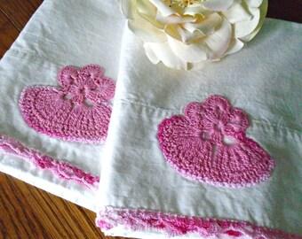 2 Vintage Cotton Pillowcases / Pink Cotton Lace Edge / White Cotton / Childs Pillowcases / Set / Pink Crochet Design / Girls Bedding / Small