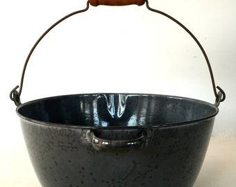 Vintage enameled granite ware kitchen pot