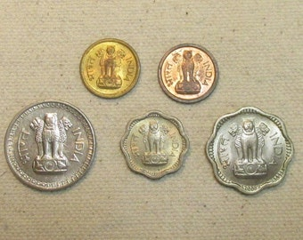 India 5 coin lot, interesting Indian coins mix, mid 1900's issues 1950's and 1960's, different denominations,world coin group, rupee, anna,
