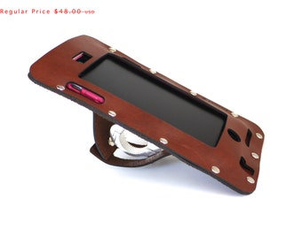 bike gift Bicycle iPhone 7 6 S  or 6 S Plus Holder in Brown Leather, bike accessories, iPhone 5S SE bike mount, beach cruiser, personalized
