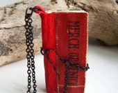 book necklace, Shakespeare