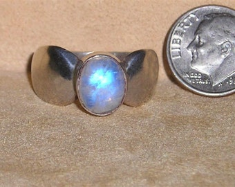 Vintage Sterling Silver Ring With Real Moonstone Cabochon 1960's Size 9 1/4 Signed Jewelry 3108