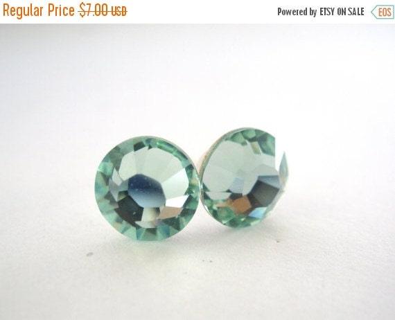 SALE Swarovski Crystal Stud Earrings, Crystal Earrings, Light Green Earrings, Soft Green, Chrysolite, Bridesmaid Gifts, Bridesmaid Earrings