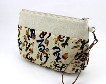 Wristlet Purse,Gift For Women, Clutch Purse,Japanese Hiragana Letters Cream