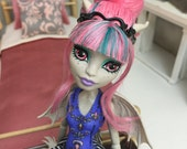 Doll Bedding for Barbie, Fashion Royalty, Ever After High, Bratz, Pullip, Monster High and other 12 in. Dolls - Pink & Cream
