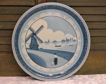 vintage Metal Tray - Dutch Scene - Made in England - blue and white