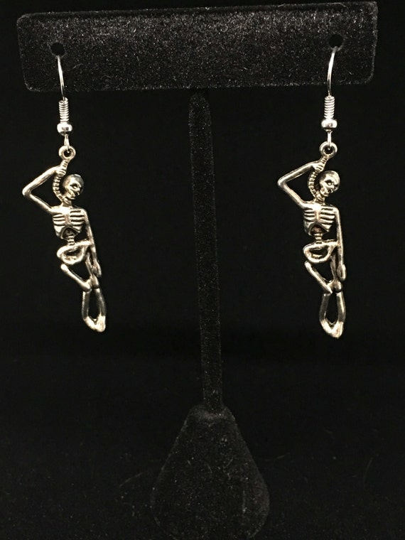 mens hanging earrings noose and hanging earrings 2952