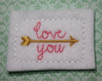 Love you arrow rectangle feltie, white, gold, and lt pink Valentine felt stitchies, 4 pcs, for hair accessories, scrapbooking and crafts