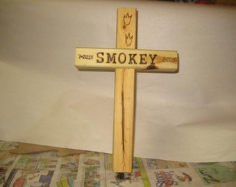 Wooden Cross - Pocket Pet - Memorial Burial Cross - Personalized your way - small daisy's