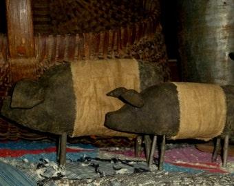 Primitive Mama & Baby Pigs doll ~~ rag stuffed ~~ shelf sitter