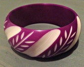 Vintage Overdyed Purple White Carved Celluloid Bangle Bracelet Mod 1960s