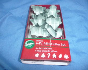 Wilton Holiday 6 -Pc. Mini Cutters, Cookies Pies Ornaments Christmas New in Pkg