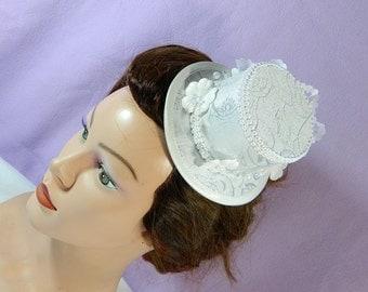 white bride minihat Hat Wedding bridal Bridesmaid Fascinator Matrimonio mariage church hat formal hat cocktail hat Shiro Lolita Headpiece
