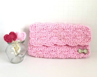 Crochet Clutch Case: Pink - Purse. Modern chic. Bridesmaid Gift. Gifts for Mom. Wallet. Crochet Trends. Makeup Case. Cosmetic Case