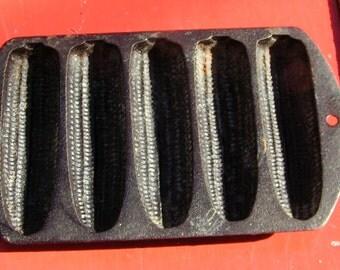 Cast Iron Cornbread Baking Pan  - by LODGE -527c2  USA