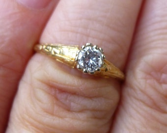1930s 25 point round diamond 14KT yellow gold engagment ring