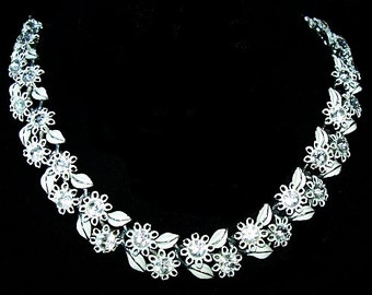 "Lisner Necklace Signed White Enamel & Rhinestones Silver Metal Leaf Decorations 17"" Vintage"