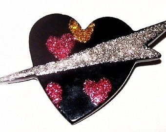 """Psychedelic Heart Brooch Pin Black Pink Hard Plastic Hippie Peace Love 2.5"""" Vintage 1960s"""
